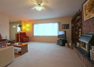 Photo 3: 6525 REID Road in Sardis: Sardis West Vedder Rd House for sale : MLS®# R2234413
