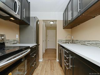 Photo 2: 132 964 Heywood Avenue in VICTORIA: Vi Fairfield West Condo Apartment for sale (Victoria)  : MLS®# 387798