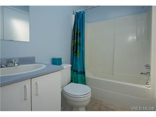 Photo 14: 2625 Doncaster Drive in VICTORIA: Vi Oaklands Residential for sale (Victoria)  : MLS®# 350994