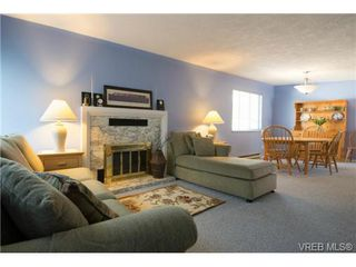 Photo 5: 2625 Doncaster Drive in VICTORIA: Vi Oaklands Residential for sale (Victoria)  : MLS®# 350994
