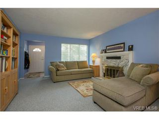 Photo 17: 2625 Doncaster Drive in VICTORIA: Vi Oaklands Residential for sale (Victoria)  : MLS®# 350994