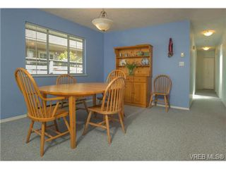 Photo 16: 2625 Doncaster Drive in VICTORIA: Vi Oaklands Residential for sale (Victoria)  : MLS®# 350994