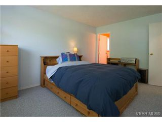 Photo 12: 2625 Doncaster Drive in VICTORIA: Vi Oaklands Residential for sale (Victoria)  : MLS®# 350994
