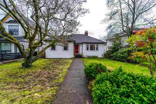 Photo 1: 1918 EDINBURGH Street in New Westminster: West End NW House for sale : MLS®# R2252382