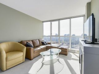 "Photo 3: 2305 1155 SEYMOUR Street in Vancouver: Downtown VW Condo for sale in ""BRAVA"" (Vancouver West)  : MLS®# R2266500"