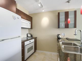 "Photo 11: 2305 1155 SEYMOUR Street in Vancouver: Downtown VW Condo for sale in ""BRAVA"" (Vancouver West)  : MLS®# R2266500"