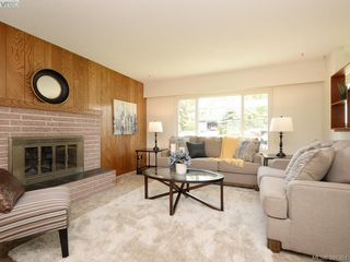 Photo 2: 4416 Torquay Dr in VICTORIA: SE Gordon Head Single Family Detached for sale (Saanich East)  : MLS®# 786613