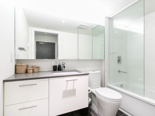 "Photo 6: 501 150 E CORDOVA Street in Vancouver: Downtown VE Condo for sale in ""INGASTOWN"" (Vancouver East)  : MLS®# R2270829"