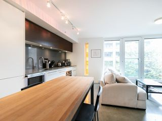 "Photo 4: 501 150 E CORDOVA Street in Vancouver: Downtown VE Condo for sale in ""INGASTOWN"" (Vancouver East)  : MLS®# R2270829"