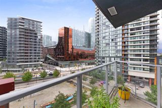 """Main Photo: 801 918 COOPERAGE Way in Vancouver: Yaletown Condo for sale in """"THE MARINER"""" (Vancouver West)  : MLS®# R2276404"""