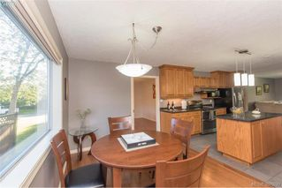 Photo 10: 1553 Eric Rd in VICTORIA: SE Mt Doug Single Family Detached for sale (Saanich East)  : MLS®# 796027