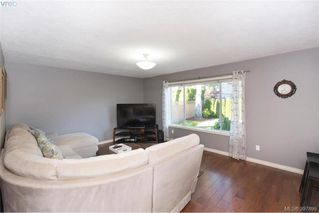 Photo 6: 1553 Eric Rd in VICTORIA: SE Mt Doug Single Family Detached for sale (Saanich East)  : MLS®# 796027