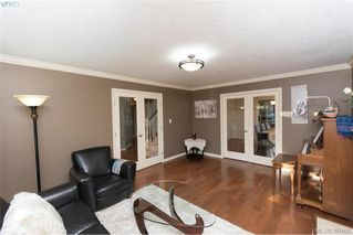 Photo 5: 1553 Eric Rd in VICTORIA: SE Mt Doug Single Family Detached for sale (Saanich East)  : MLS®# 796027