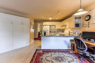 """Photo 7: 40 12165 75 Avenue in Surrey: West Newton Townhouse for sale in """"STRAWBERRY HILL ESTATES"""" : MLS®# R2320818"""