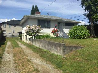 Photo 2: 1693 SMITH Avenue in Coquitlam: Central Coquitlam House for sale : MLS®# R2333699