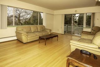 "Photo 2: 301 2409 W 43RD Avenue in Vancouver: Kerrisdale Condo for sale in ""BALSAM COURT"" (Vancouver West)  : MLS®# R2334512"
