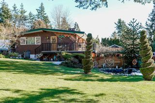 Photo 2: 5840 172 Street in Surrey: Cloverdale BC House for sale (Cloverdale)  : MLS®# R2343819