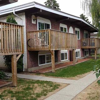 Photo 1: 8922C 144 Avenue NW in Edmonton: Zone 02 Townhouse for sale : MLS®# E4146899