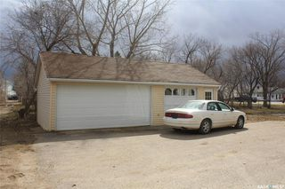 Photo 2: 102 Galloway Street in Lampman: Residential for sale : MLS®# SK766530
