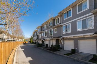 "Photo 2: 111 15155 62A Avenue in Surrey: Sullivan Station Townhouse for sale in ""Oaklands"" : MLS®# R2359518"