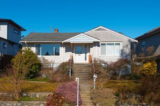 Main Photo: 4387 CHARLES Street in Burnaby: Willingdon Heights House for sale (Burnaby North)  : MLS®# R2361988