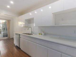 """Photo 7: 104 825 W 15TH Avenue in Vancouver: Fairview VW Condo for sale in """"The Harrod"""" (Vancouver West)  : MLS®# R2366415"""