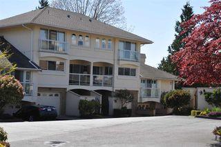 "Photo 3: 18 1767 130 Street in Surrey: Crescent Bch Ocean Pk. Townhouse for sale in ""San Juan Gate"" (South Surrey White Rock)  : MLS®# R2369934"