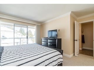"Photo 12: 18 1767 130 Street in Surrey: Crescent Bch Ocean Pk. Townhouse for sale in ""San Juan Gate"" (South Surrey White Rock)  : MLS®# R2369934"