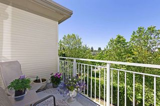 "Photo 14: 405 10188 155 Street in Surrey: Guildford Condo for sale in ""The Sommerset"" (North Surrey)  : MLS®# R2379338"