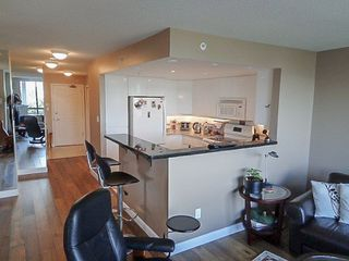 Photo 9: 306 1088 QUEBEC STREET in Vancouver East: Home for sale : MLS®# R2071383