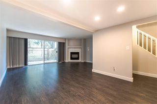"Photo 3: 11662 RITCHIE Avenue in Maple Ridge: East Central Townhouse for sale in ""CEDAR GROVE III"" : MLS®# R2383960"