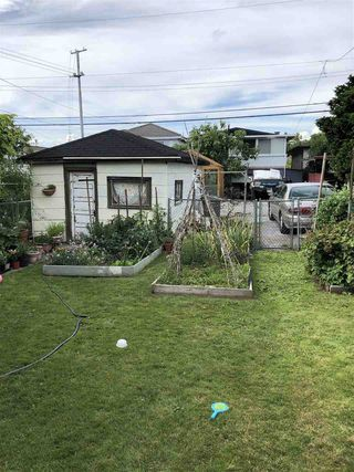 Photo 3: 3437 E 24TH Avenue in Vancouver: Renfrew Heights House for sale (Vancouver East)  : MLS®# R2384045