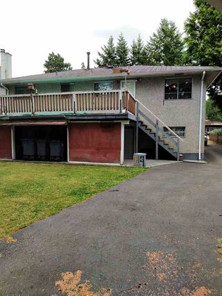Photo 2: 9111 148TH Street in Surrey: Bear Creek Green Timbers House for sale : MLS®# R2388904