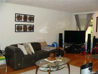 Photo 5: 8 1241 Santa Rosa Avenue in VICTORIA: SW Strawberry Vale Row/Townhouse for sale (Saanich West)  : MLS®# 415670
