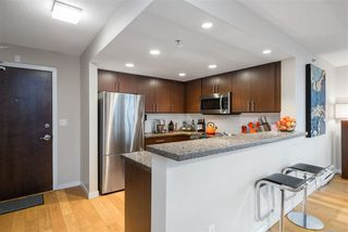 """Photo 10: 1202 125 MILROSS Avenue in Vancouver: Downtown VE Condo for sale in """"Creekside"""" (Vancouver East)  : MLS®# R2432761"""