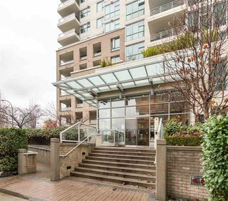 """Photo 1: 1202 125 MILROSS Avenue in Vancouver: Downtown VE Condo for sale in """"Creekside"""" (Vancouver East)  : MLS®# R2432761"""