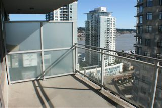 "Main Photo: 2509 892 CARNARVON Street in New Westminster: Downtown NW Condo for sale in ""DOWNTOWN NW"" : MLS®# R2482037"