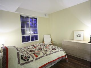 Photo 4: 325 5835 HAMPTON Place in Vancouver: University VW Condo for sale (Vancouver West)  : MLS®# V926739