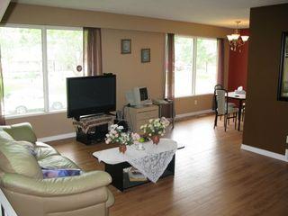 Photo 2: 95 Leeds Avenue in Winnipeg: Fort Garry / Whyte Ridge / St Norbert Residential for sale (South Winnipeg)  : MLS®# 1313245