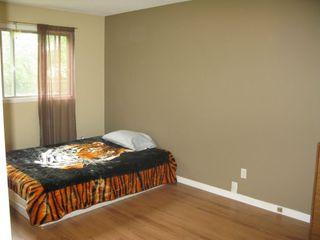 Photo 3: 95 Leeds Avenue in Winnipeg: Fort Garry / Whyte Ridge / St Norbert Residential for sale (South Winnipeg)  : MLS®# 1313245
