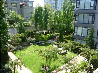 "Photo 15: 1628 W 7TH Avenue in Vancouver: Fairview VW Townhouse for sale in ""Virtu"" (Vancouver West)  : MLS®# V1067776"