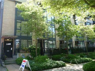 "Photo 14: 1628 W 7TH Avenue in Vancouver: Fairview VW Townhouse for sale in ""Virtu"" (Vancouver West)  : MLS®# V1067776"