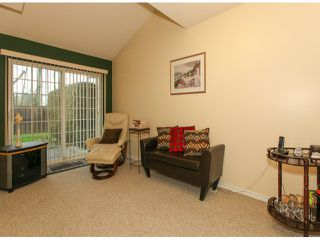 """Photo 5: 32 13499 92ND Avenue in Surrey: Queen Mary Park Surrey Townhouse for sale in """"Chatham Lane"""" : MLS®# F1414205"""