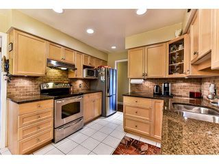 Photo 5: 17523 HILLVIEW Place in Surrey: Grandview Surrey House for sale (South Surrey White Rock)  : MLS®# F1443017