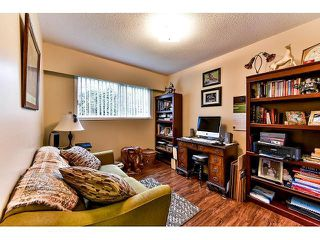 Photo 10: 17523 HILLVIEW Place in Surrey: Grandview Surrey House for sale (South Surrey White Rock)  : MLS®# F1443017