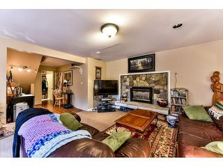 Photo 12: 17523 HILLVIEW Place in Surrey: Grandview Surrey House for sale (South Surrey White Rock)  : MLS®# F1443017