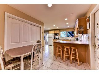 Photo 14: 17523 HILLVIEW Place in Surrey: Grandview Surrey House for sale (South Surrey White Rock)  : MLS®# F1443017