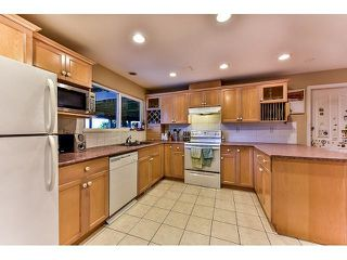 Photo 13: 17523 HILLVIEW Place in Surrey: Grandview Surrey House for sale (South Surrey White Rock)  : MLS®# F1443017