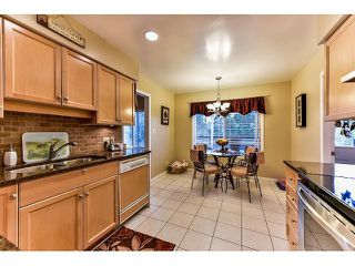 Photo 7: 17523 HILLVIEW Place in Surrey: Grandview Surrey House for sale (South Surrey White Rock)  : MLS®# F1443017