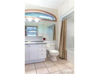 Photo 12: 1073 Deal Street in VICTORIA: OB South Oak Bay Single Family Detached for sale (Oak Bay)  : MLS®# 356155